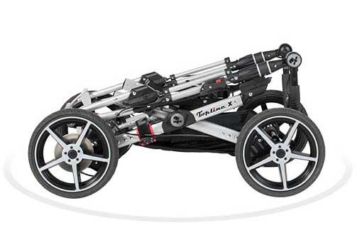 Der Kinderwagen Topline X von Hartan lässt sich einfach und kompakt klappen.